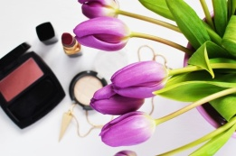 makeup-beauty-lipstick-make-up-medium